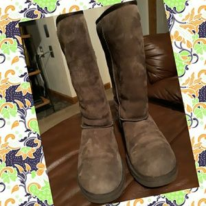 Tall Brown Uggs size 8